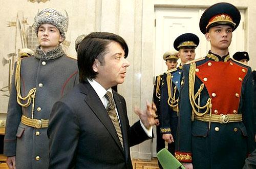 Переодевание Российской армии в новую форму одежды проходит по плану