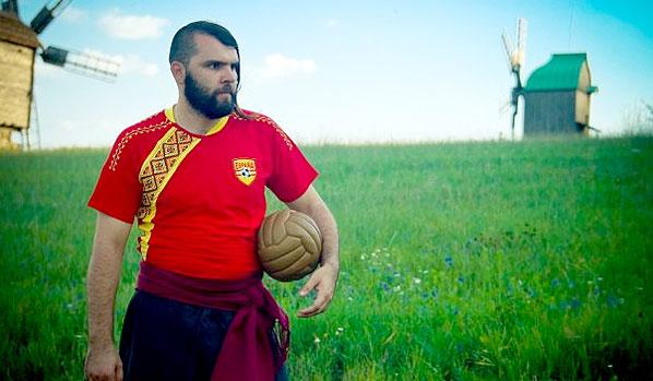 Модные тенденции Евро-2012: футбольные вышиванки от украинских дизайнеров