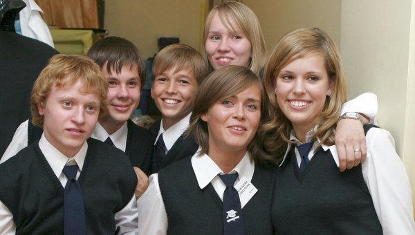 ВЦИОМ: Россияне поддерживают введение школьной формы