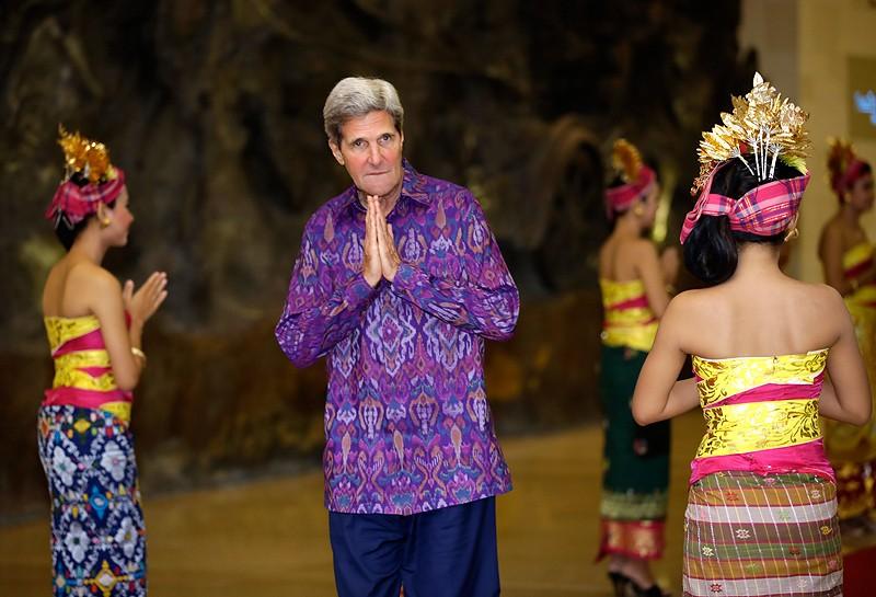 Госсекретарь США Джон Керри во время форума АТЭС в Бали, Индонезия, 2013г.