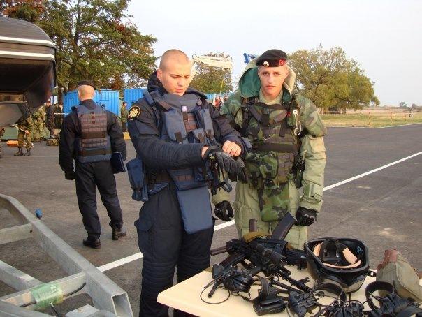 Российских морпехов экипируют уникальными плавучими бронежилетами